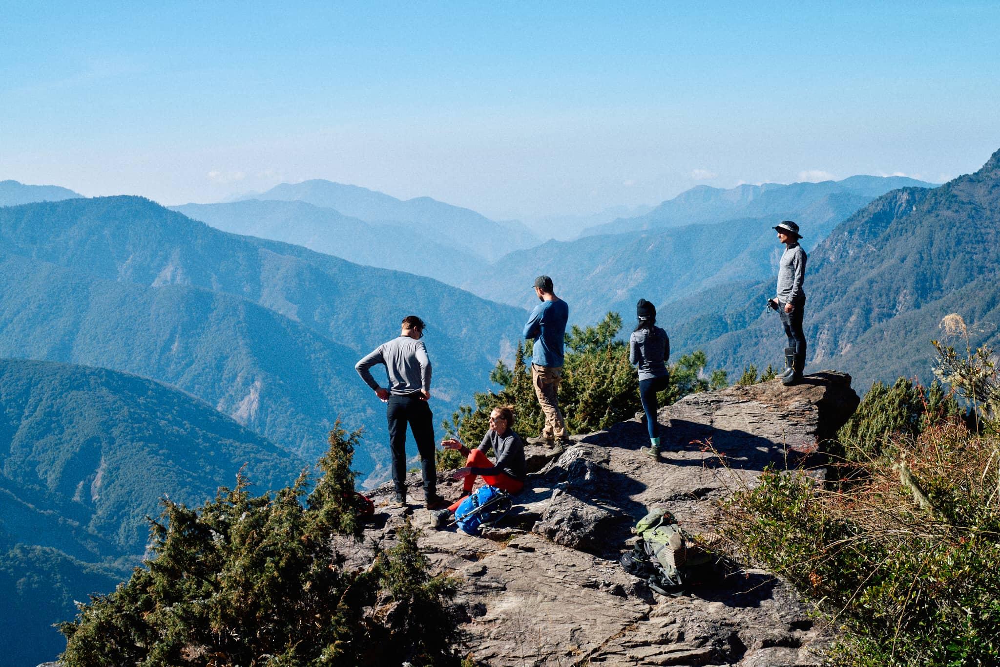 jade mountain hike with imagine taiwan